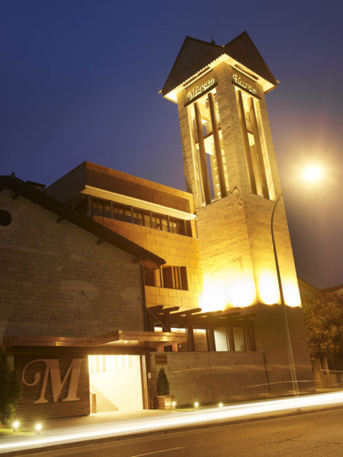11.muga-torre-noche